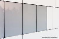 Foto im Querformat: die emaillierten Glasplatten im Detailfoto